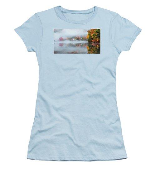 Eaton, Nh Women's T-Shirt (Junior Cut) by Robert Clifford