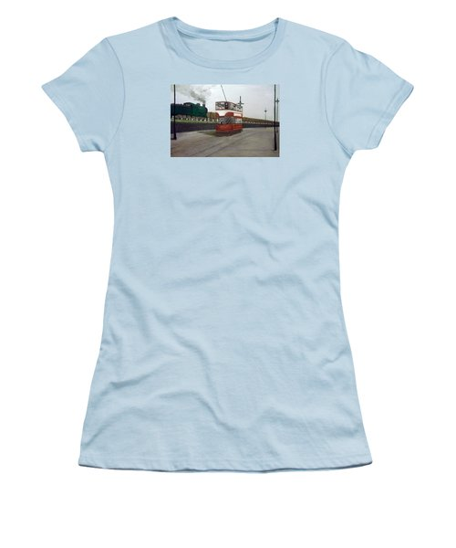 Edinburgh Tram With Goods Train Women's T-Shirt (Athletic Fit)