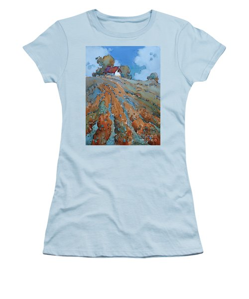 Field Play Women's T-Shirt (Athletic Fit)