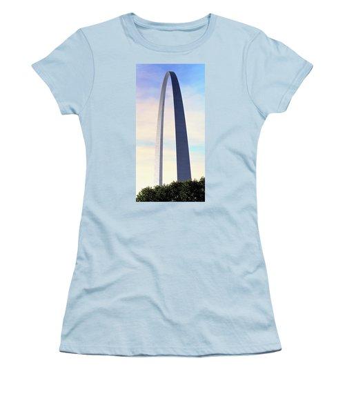 Gateway Arch - St Louis Women's T-Shirt (Junior Cut) by Rau Imaging