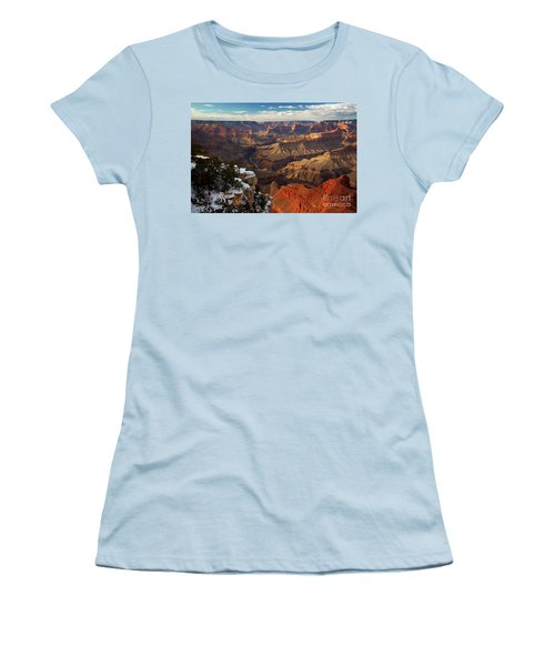 Grand Canyon National Park Women's T-Shirt (Athletic Fit)
