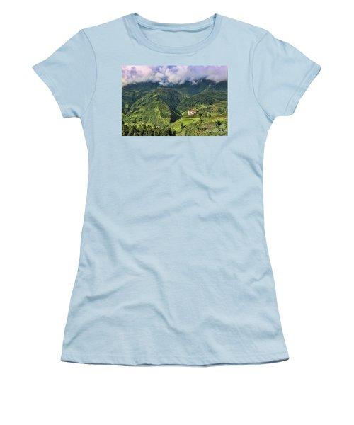 Hilltop Sapa Women's T-Shirt (Athletic Fit)