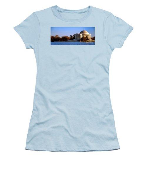 Jefferson Memorial Sunset Women's T-Shirt (Athletic Fit)