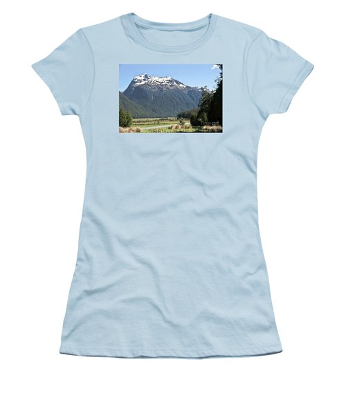 Lord Of The Rings Locations, New Zealand Women's T-Shirt (Athletic Fit)