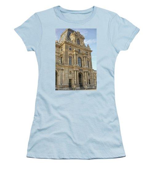 Louvre In Paris Women's T-Shirt (Athletic Fit)