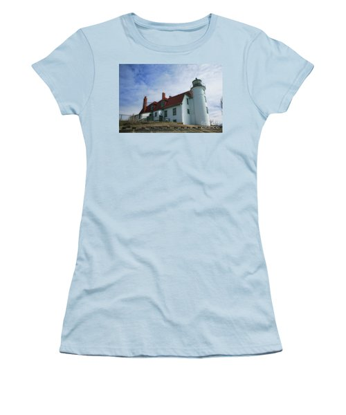 Michigan Lighthouse Women's T-Shirt (Athletic Fit)