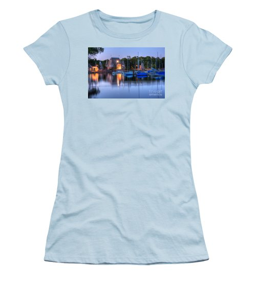 Minneapolis Skyline Photography Women's T-Shirt (Athletic Fit)