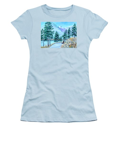 Montana Lake Como With Bench Women's T-Shirt (Athletic Fit)