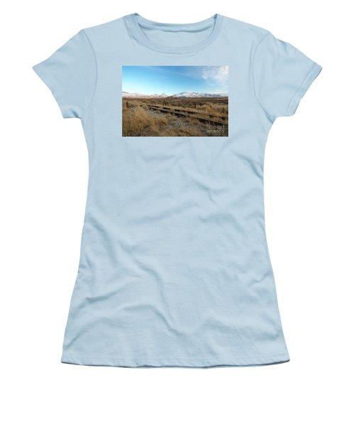 Mt Putnam Women's T-Shirt (Athletic Fit)