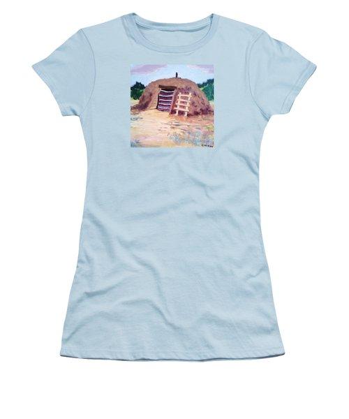 Navajo Hogan Women's T-Shirt (Athletic Fit)