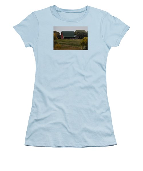 Nebraska Barn Women's T-Shirt (Athletic Fit)