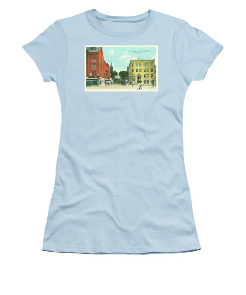 Newburgh Broadway - 10 Women's T-Shirt (Athletic Fit)