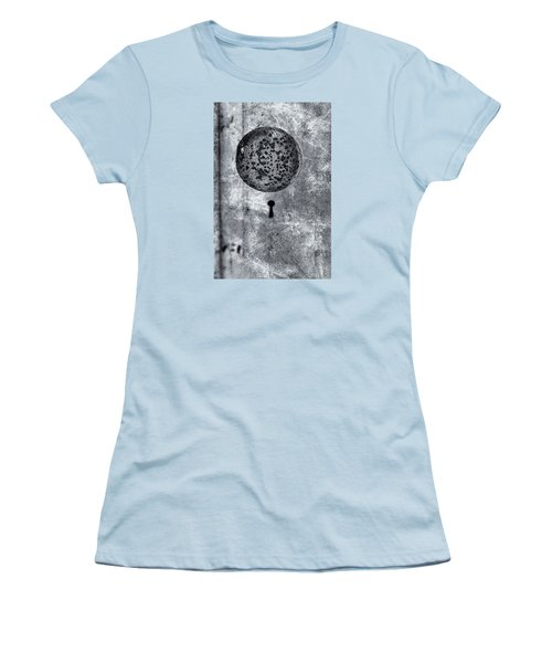 Women's T-Shirt (Junior Cut) featuring the photograph Old Doorknob by Tom Singleton