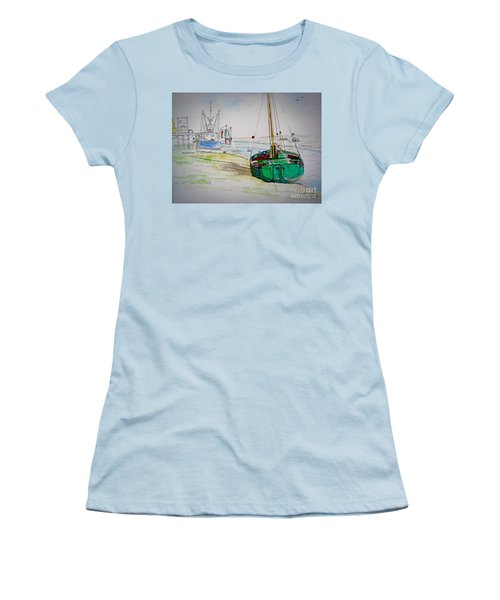 Old River Thames Fishing Boat Women's T-Shirt (Athletic Fit)