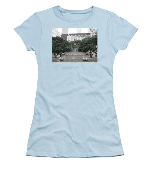 Pulitzer Fountain Women's T-Shirt (Junior Cut) by Valerie Ornstein