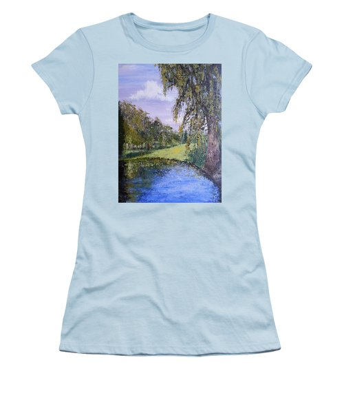 Putting Green Pond Women's T-Shirt (Athletic Fit)