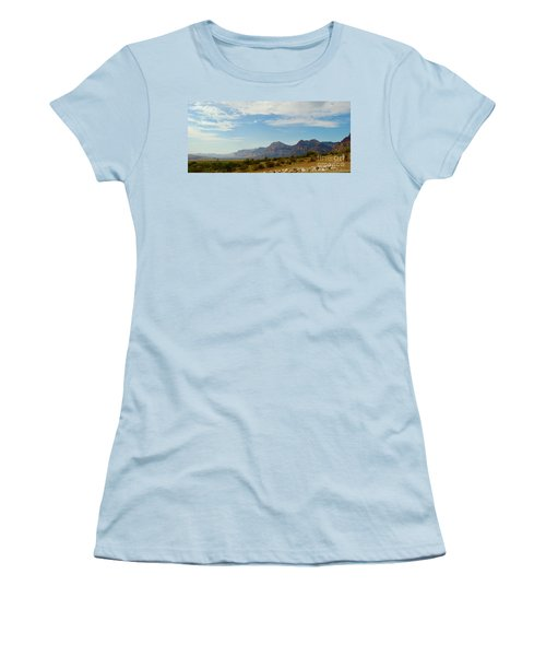 Red Rock Morning Panorama Women's T-Shirt (Athletic Fit)