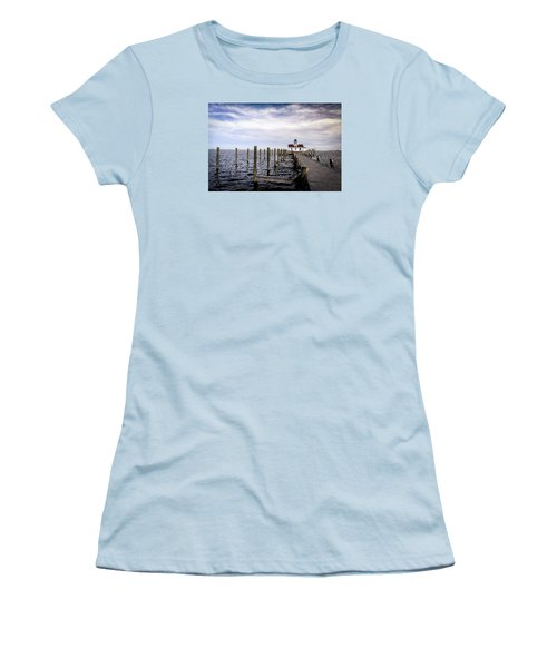 Roanoke Lighthouse - Manteo North Carolina Women's T-Shirt (Athletic Fit)