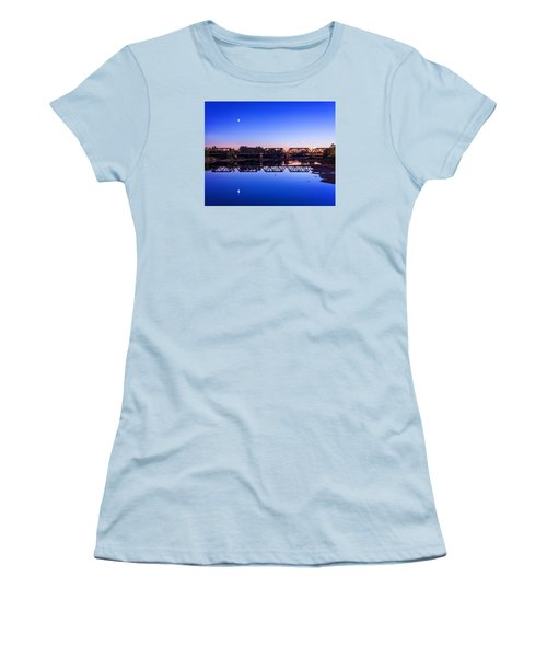Women's T-Shirt (Junior Cut) featuring the photograph Scioto Sunset Crossing by Alan Raasch