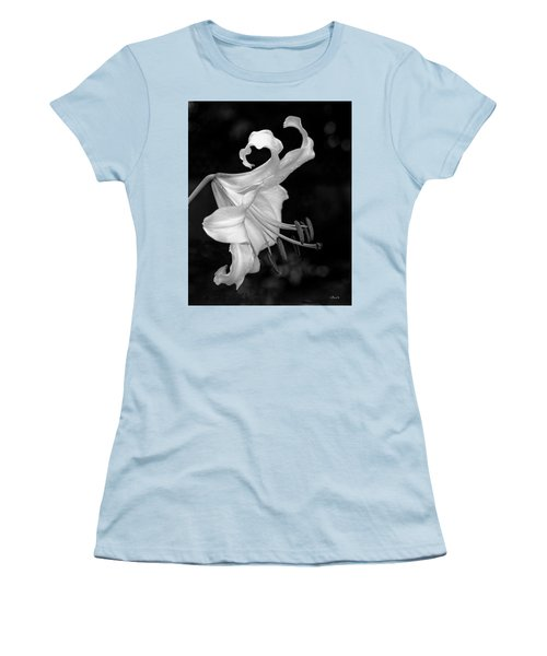 Single Lily In Black And White. Women's T-Shirt (Athletic Fit)