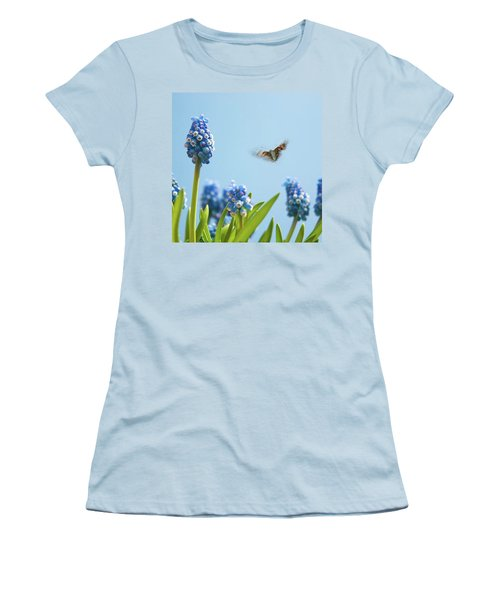 Something In The Air: Peacock Women's T-Shirt (Athletic Fit)