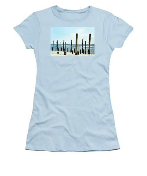 Southport Beach Weathered Wood Women's T-Shirt (Athletic Fit)