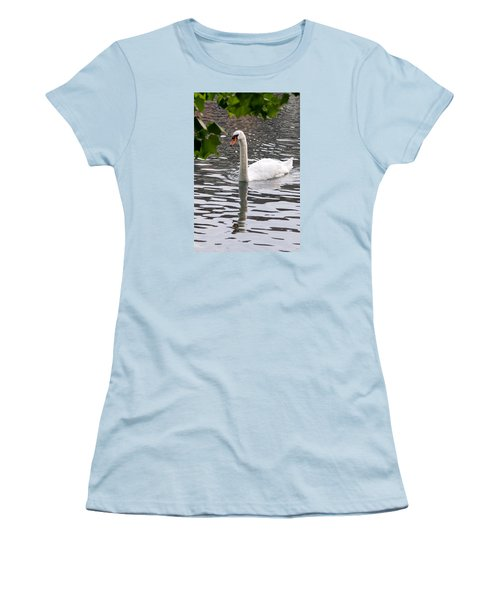 Swan Framed By Maple Leaves Women's T-Shirt (Athletic Fit)