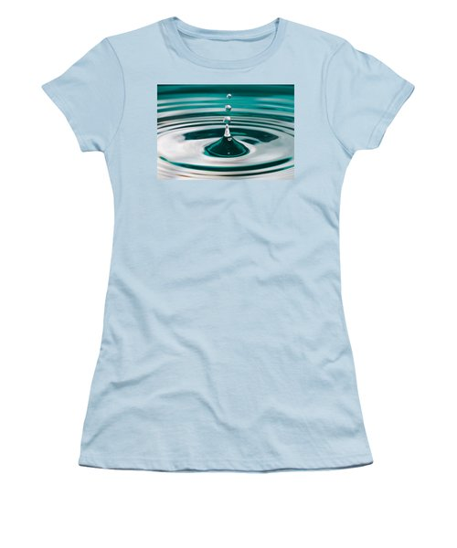 The Drop Women's T-Shirt (Athletic Fit)