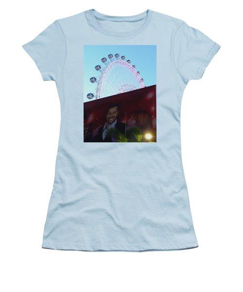 Women's T-Shirt (Junior Cut) featuring the photograph The Orlando Eye by Chris Mercer