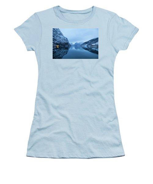 The Stillness Of The Sea Women's T-Shirt (Junior Cut)
