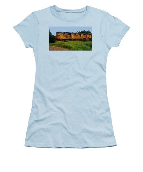 Union Pacific Line Women's T-Shirt (Athletic Fit)