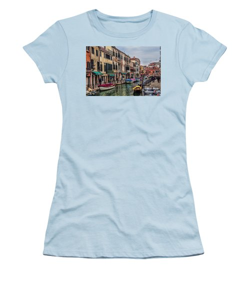 Women's T-Shirt (Junior Cut) featuring the photograph Venice Street Scenes by Shirley Mangini