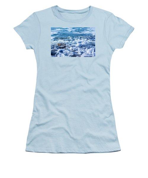 Wave 4 Women's T-Shirt (Athletic Fit)