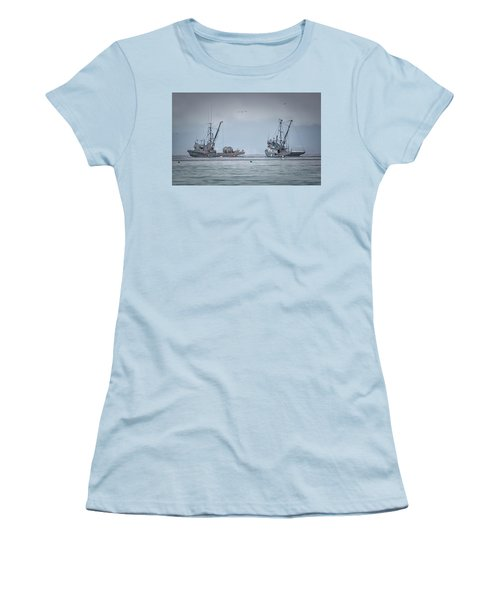 Women's T-Shirt (Junior Cut) featuring the photograph Western Gambler And Marinet by Randy Hall