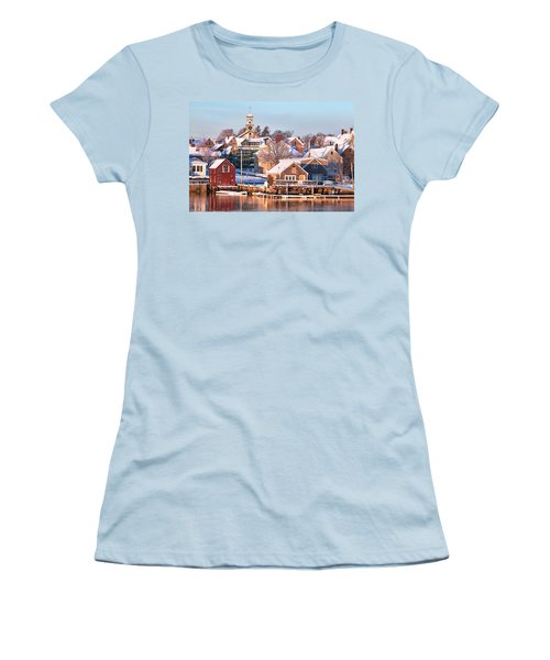 Winter Snowfall In Portsmouth Women's T-Shirt (Athletic Fit)
