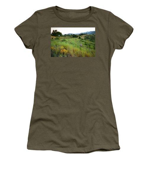 A Trail Runner Crosses Through Green Women's T-Shirt