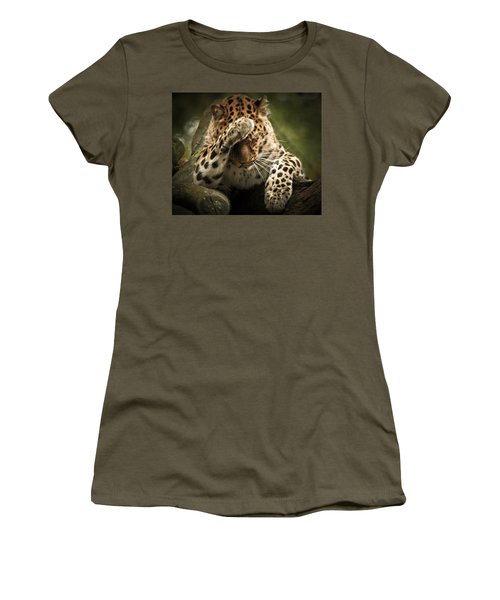 Amur Leopard Women's T-Shirt (Athletic Fit)
