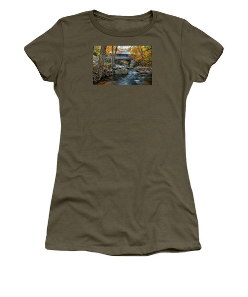 Flume Gorge Covered Bridge Women's T-Shirt (Junior Cut) by Jeff Folger