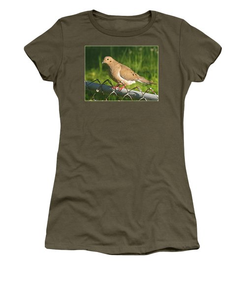 Morning Dove I Women's T-Shirt (Athletic Fit)