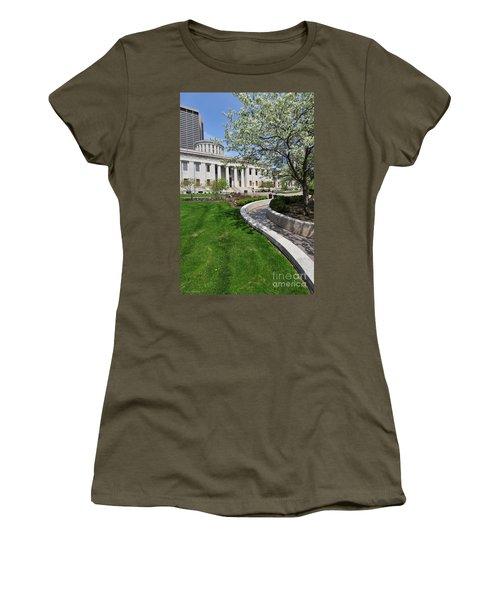 D13l-145 Ohio Statehouse Photo Women's T-Shirt