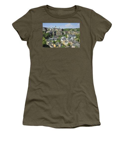 110414p202 Women's T-Shirt