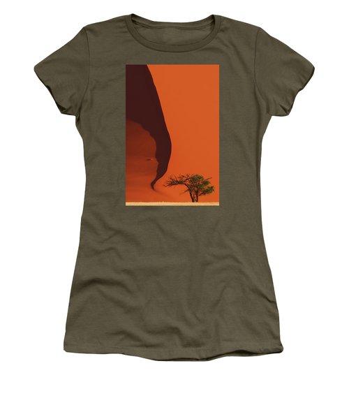 120118p072 Women's T-Shirt