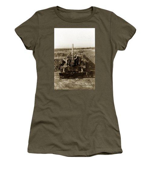 175mm Self Propelled Gun C 10 7-15th Field Artillery Vietnam 1968 Women's T-Shirt