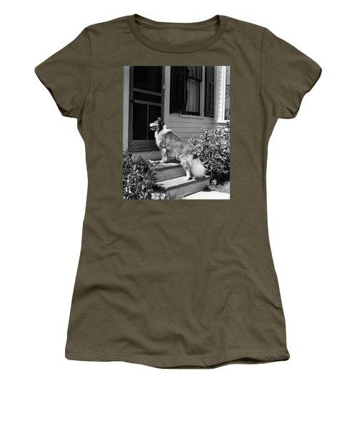 1930s Rough Scotch Collie Dog Standing Women's T-Shirt