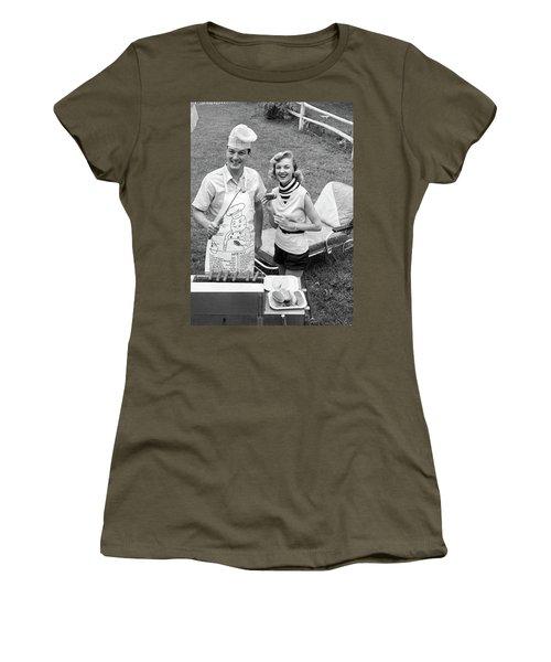 1950s 1960s Couple Backyard Grilling Women's T-Shirt