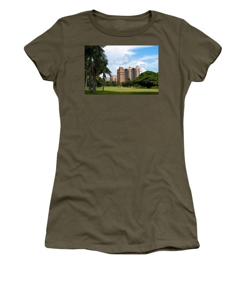 1st Hole At Granada Golf Course Women's T-Shirt