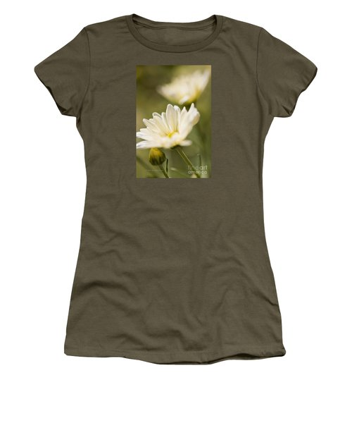 Chrysanthemum Flowers Women's T-Shirt