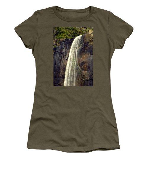 Final Drop Women's T-Shirt (Athletic Fit)