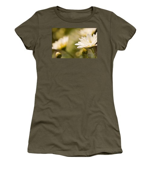 Chrysanthemum Flowers Women's T-Shirt