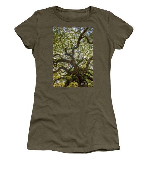 Island Angel Oak Tree Women's T-Shirt (Athletic Fit)